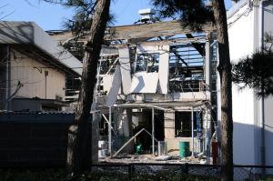 全壊した建物
