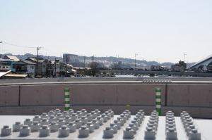 向こうには帰帆橋、関東学院、湘南鷹取の団地