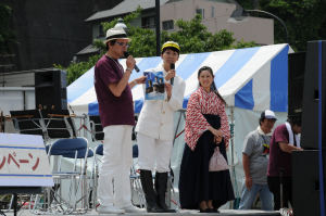 松山市女性職員が観光PR