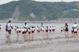 関東地方で一番早い逗子海岸・海開き