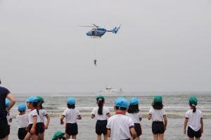 県警ヘリ「おおやま」救助訓練