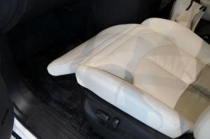 新型「エルグランド」ライダー・助手席