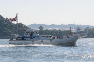 船が漁港へと戻り始めました