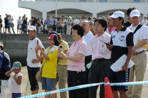 ジュニアの部は林横浜市長がスタート合図