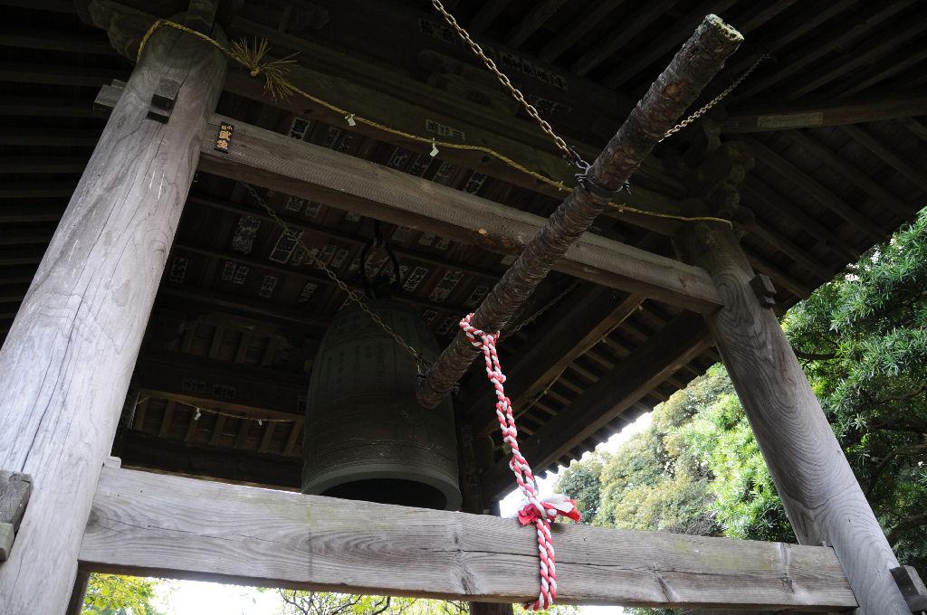 寺の北側にある鐘楼