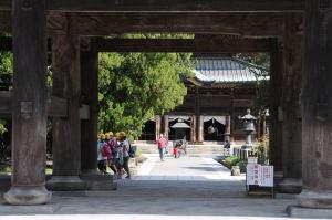 山門「三門」を支える柱