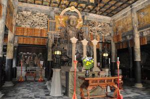 仏殿内「御本尊地蔵菩薩坐像」