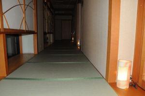館内は廊下にも畳が敷かれています