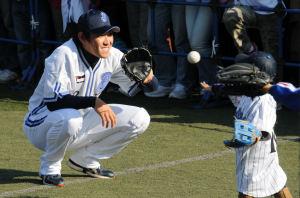 「09年ファン感謝デー」での内川選手