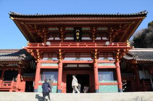 鶴岡八幡宮本殿入口