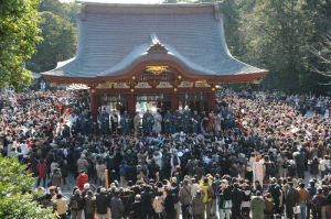 「鎌倉・鶴岡八幡宮の節分祭」