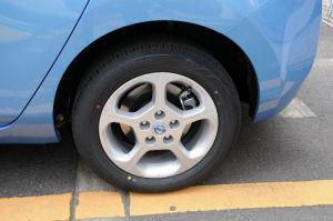 16インチタイヤ、後輪もディスクブレーキ