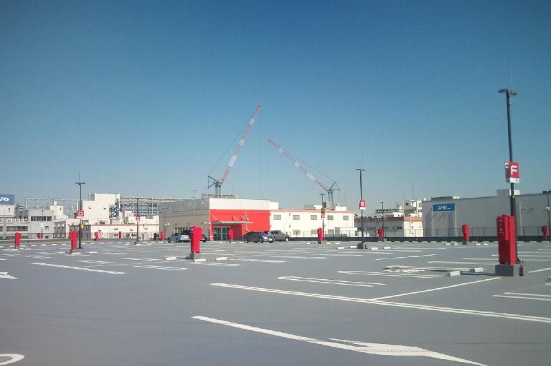 クレーンは『東京倉庫』の増築工事