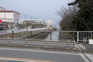 長浜水路の東、海側