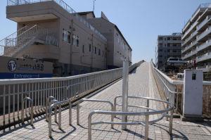 シーサイドライン八景島駅への橋