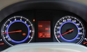 メーター内の外気温は30度