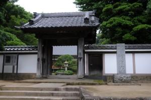 入口横にある「慶珊寺」