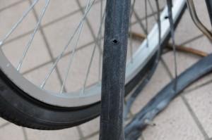 自転車、チューブ破裂