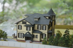 家の模型、1/100のサイズ