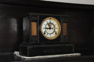 年代物の置時計