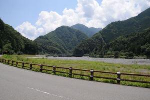 奈良田第二発電所がみえます