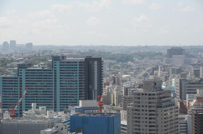 石川町駅前のパークスクエアー横浜