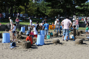 砂像作りを体験できるコーナー