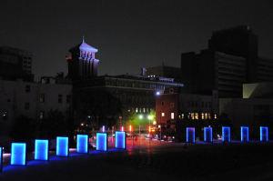開港波止場と「キング」神奈川県庁