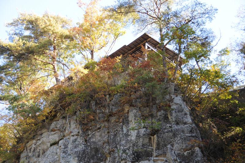 国道沿いにある観瀑台