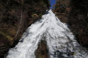 高さ70mの滝
