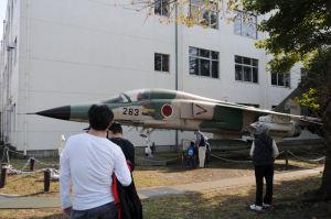 戦闘機が展示されていました