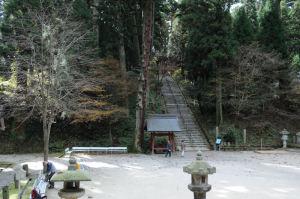 釈迦堂へ下る石段
