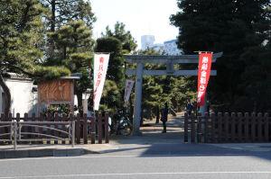 琵琶島神社がみえます