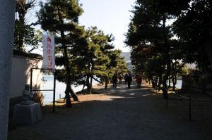 琵琶島神社参道