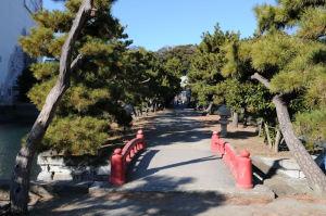 琵琶島神社からの参道
