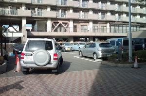 駐車場は満車