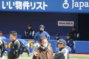 1塁側 横浜ベンチ