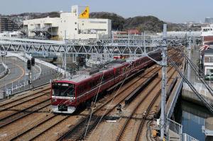 陸橋から見た金沢文庫駅方面