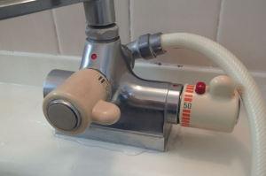 水栓器具に水漏れが発生