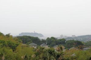 江の島も霞んでいました