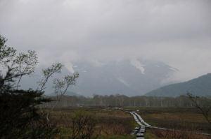 霧雨が降る朝の下田代