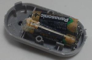 乾電池が液漏れ