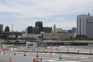 大桟橋入口から見た横浜三塔