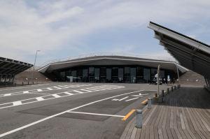 大桟橋ホール入口