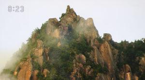 黄金色に変わる瑞牆山