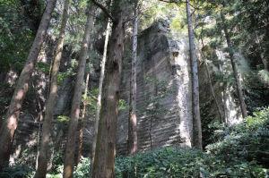 鷹取山の岩場
