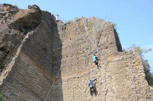 岩壁は30mほどあるでしょうか