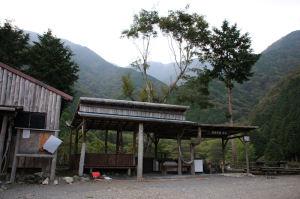 作治小屋の炊事場