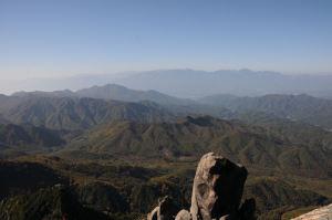 大ヤスリ岩と南アルプス