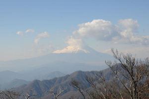 富士山には少し雲が掛かって